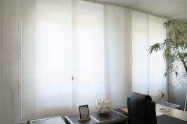 Vertikallamellen und Flächenvorhänge
