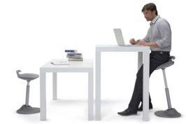 Steh-Sitz Möbel